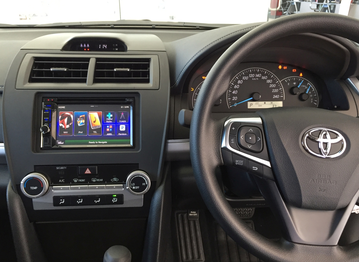 toyota camry 2017 navigation system 2017 toyota camry xle navigation leather cobourg ontario. Black Bedroom Furniture Sets. Home Design Ideas