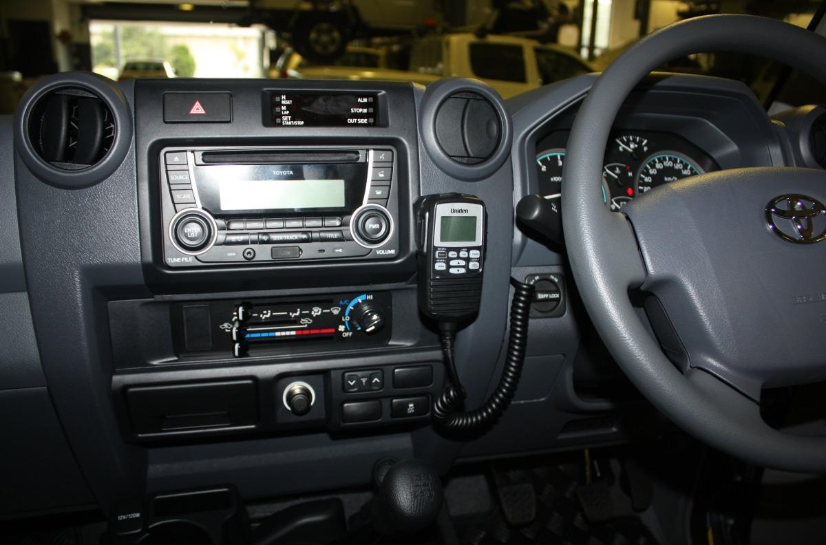 Toyota Land Cruiser 70 >> LandCruiser 79 2017 Uniden UH5060 UHF CB Radio | Creative Installations
