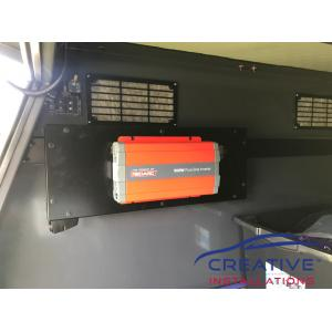 HiLux REDARC Power Inverter